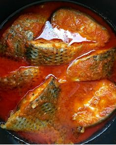 How to cook fish stew, make simple Nigerian stew, fish stew: how to make fish , Fish stew recipe in Nigeria that's easy to make Fish Recipes, Soup Recipes, Cooking Recipes, Healthy Recipes, Cooking Fish, Pan Cooking, Cooking Bacon, Cooking Videos, Seafood Recipes