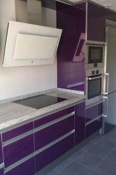 1000 images about cocinas violetas on pinterest purple - Cocinas color berenjena ...