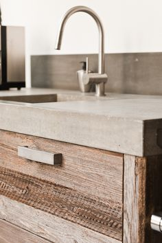 27 Ideas Bath Room Vanity Design Concrete Countertops For 2019 Concrete Bench, Concrete Bathroom, Concrete Design, Concrete Kitchen Countertops, Concrete Floors, Best Kitchen Sinks, Cool Kitchens, Bathroom Vanity Designs, Bathroom Vanities