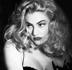 Pretty People, Beautiful People, Madchen Amick, Vanessa Morgan, Female Character Inspiration, Photo Instagram, Grunge Hair, Forever Young, Vintage Beauty