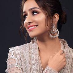 Bollywood Saree, Indian Bollywood, Bollywood Fashion, Shraddha Kapoor Cute, Kareena Kapoor Khan, Ranbir Kapoor, Deepika Padukone, Beautiful Bollywood Actress, Beautiful Indian Actress