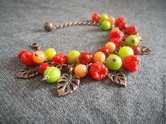 """Купить Браслет """"Малина и крыжовник"""" из полимерной глины - ярко-красный, ягоды, ягодный браслет"""