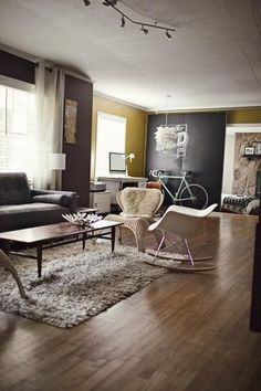 Grey accent walls in a yellow room?