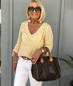 Best Clothing Styles For Women Over 50 - Fashion Trends Hijab Fashion Summer, 50 Fashion, Trendy Fashion, Plus Size Fashion, Fashion Outfits, Diy Beauty Hacks, Elisa Cavaletti, Casual Summer Outfits For Women, Looks Plus Size