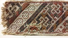 from uvdal stave church, found in dated aprox. 1200 or older, same tecnique as the Høfdi band. Foto by Anne Marie Gottschalk Medieval Embroidery, Folk Embroidery, Medieval Crafts, Medieval Art, History Of Textile, Tablet Weaving Patterns, Types Of Weaving, Inkle Loom, Card Weaving