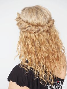 Tutorials you can do in two minutes? Yes please! Check out Hair Romance's 30 Days of Curly Hairstyles ebook at www.hairromance.com to learn how to master your curls