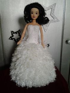 Barbie Wedding, Crochet Barbie Clothes, Girls Dresses, Flower Girl Dresses, Bride Dolls, Barbie And Ken, Doll Accessories, Creations, Tricot