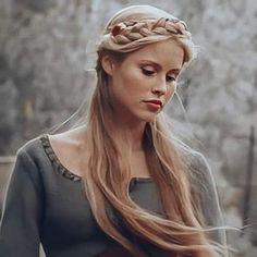 The Originals Rebekah, The Originals Tv, Davina Claire, Claire Holt, Vampire Diaries Cast, Vampire Diaries The Originals, Rory Gilmore Style, Madrid, Vampire Diaries Wallpaper