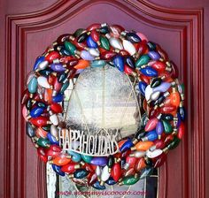 Love this! She even spray painted some of the bulbls to get the right color. mommy is coo coo: Christmas Wreath Made from Burnt Out Lights
