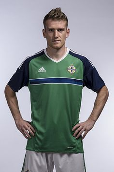 The Northern Ireland football team are UEFA Euro 2016 Qualifiers. Retro Football, Football Soccer, Uefa Euro 2016, Belfast, Northern Ireland, Buns, Squad, Goal, Polo Ralph Lauren
