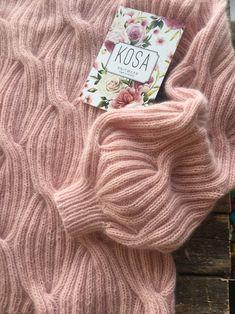 Knitwear Fashion, Knit Fashion, Hand Knitted Sweaters, Knitted Hats, Lace Knitting, Knit Crochet, Warm Winter Hats, Angora Sweater, Fabric Manipulation