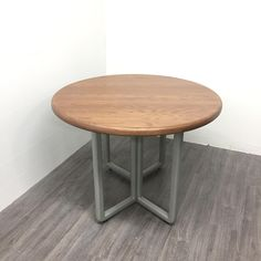 Round Dining Table, A Table, Barn Wood, Painting On Wood, Modern Farmhouse, Inspiration, Furniture, Design, Home Decor