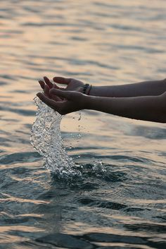 Hand splash
