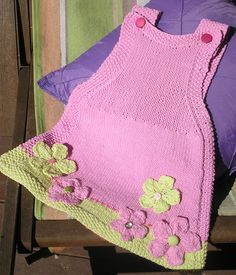 Dantel – Canım Anne You are in the right place about knitting easy Here we offer you the most beautiful pictures about the knitting clothes. Girls Knitted Dress, Knit Baby Dress, Crochet Girls, Crochet Baby, Baby Sweater Knitting Pattern, Baby Knitting Patterns, Baby Patterns, Crochet Coat, Baby Kind