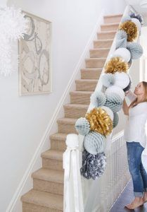 39 Easy DIY Party Decorations - DIY Festive Paper Garland - Quick And Cheap Party Decors, Easy Ideas For DIY Party Decor, Birthday Decorations, Budget Do It Yourself Party Decorations http://diyjoy.com/easy-diy-party-decorations