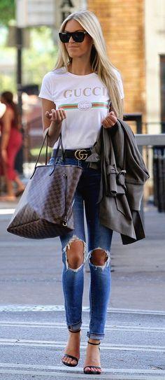 Louis Vuitton Neverfull Bag street style outfit / Designer work bag / street style fashion / work tote bag Source by outfits Outfit Designer, Louis Vuitton Neverfull Damier, Louis Vuitton Totes, Fashion Week, Street Fashion, Women's Fashion, Fashion Trends, Fashion Bags, Fashion Stores