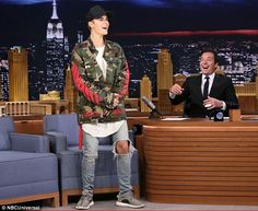 Justin Bieber, during a chat show appearance on Wednesday night insisted his emotional performance at the MTV VMAs was 'authentic'. Jimmy Fallon, Justin Bieber, Yeezy Outfit, Justin Hailey, Tonight Show, Swagg, Mtv, Kendall, Street Wear
