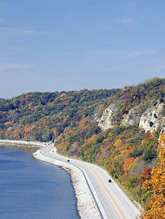 The Great River Road on the Mississippi River, Alton, Illinois