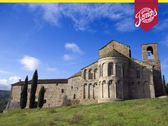 La storia incontra la natura. In questa vacanza di Capodanno ed Epifania di trekking in Toscana si visitano le foreste Casentinesi e l'Eremo di Camaldoli. http://www.jonas.it/vacanza-capodanno-foreste-casentinesi-1349.html