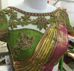 Ideas For Embroidery Blouse Designs Latest Wedding Saree Blouse Designs, Saree Blouse Neck Designs, Fancy Blouse Designs, Stylish Blouse Design, Designer Blouse Patterns, Lesage, Work Blouse, Gold Wedding, Antique Gold