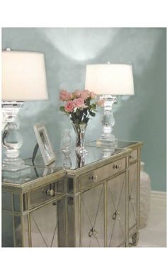 LOVE! Obsessed with Mirrored Furniture!
