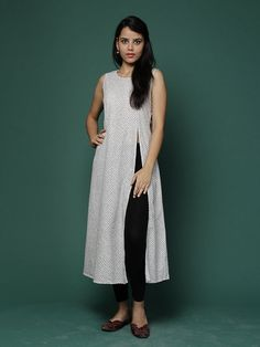 Ivory/Black Printed Cotton Kurta by the Wooden Closet
