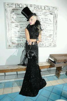 Kralodvorska 59 Isabella Blow, Daphne Guinness, Fashion Articles, Celebrity  Dresses, Celebrity Style 93739721fbb0