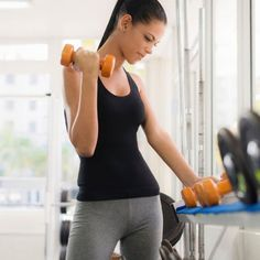 You've been dieting and exercising, but you're not seeing a flatter stomach or reduction in belly bloat. Read through these 6 reasons why you may not be losing belly fat and find out how to fix them for a lean, flat and toned stomach.