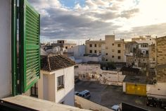 Santa Catalina, Palma de Mallorca: Penthouse with three bedrooms in Santa Catalina. 3 bedrooms, 1 bathroom, 1 100 €/ month.