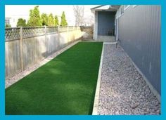 Latest Pic Super Ideas For Backyard Dog Kennel Ideas Design Ideas Nowadays, dogs are complete family unit members, but it's not at all times been the case. Dog Run Side Yard, Dog Yard, Dog Run Fence, Backyard Dog Area, Backyard Ideas, Patio Ideas, Landscaping Ideas, Dog Friendly Backyard, Backyard Patio