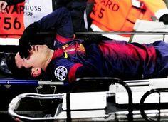Messi acalma torcida após lesão