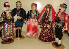 Clay Dolls, Art Dolls, Cool Christmas Trees, Paper Clay, Handmade Toys, Traditional Outfits, Kaftan, New Outfits, Saree