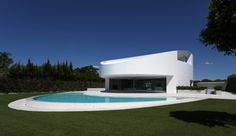 Balint House / Fran Silvestre Arquitectos