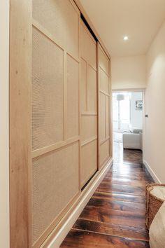 placard portes coulissantes  en cannage réalisé par Inma Studio