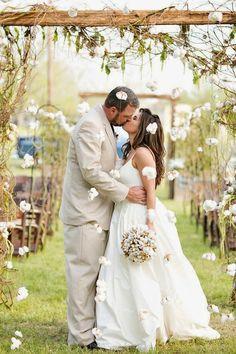 http://ramosdenoviaoriginales.com/decora-tu-boda-con-algodon/