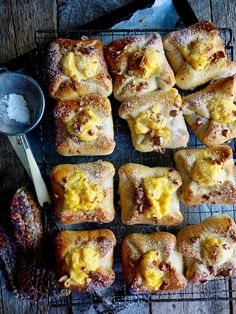 mandelboller Recipe Boards, Sweet And Salty, Dessert Recipes, Desserts, French Toast, Food And Drink, Keto, Sweets, Snacks
