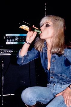 A new exhibition at Somerset House, Chris Stein/Negative: Me, Blondie, and The Advent of Punk showcases previously unseen photos of Debbie Harry Blondie Debbie Harry, Debbie Harry Style, Lauren Hutton, Robert Redford, Diane Kruger, Taylor Momsen, George Harrison, All Jeans, Denim Jeans