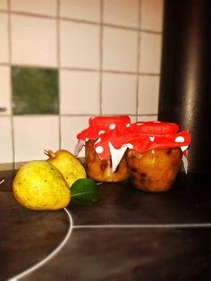 Birnen-Weißwein-Kompott mit Mandeln und Cranberries: ideal zum Verarbeiten von überschüssigen Birnen ♥ Rezept gibt's hier: http://somanylittlesteps.wordpress.com/2014/09/30/birnen-weiswein-kompott-mit-cranberries-und-mandeln/ #Birnen #Weisswein #Kompott #Cranberries #Mandeln #Restefest
