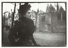 Portret van een vrouw op het Spui in Amsterdam, George Hendrik Breitner, Harm Botman, ca. 1890 - ca. 1910