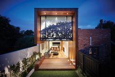 Arquitetura do Imóvel : Em Melbourne na Austrália: casa em terreno estreito com projeto que pretende valorizar a integração dos espaços internos com o exterior