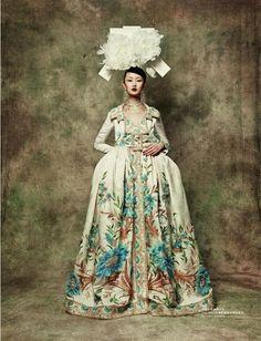 Lili Ji inDior Haute Coutureby Sun Jun forL'Officiel China (September 2010).