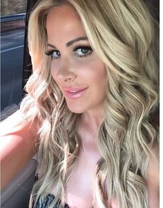 Kim Zolciak selfie with wig