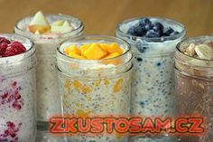 Overnight Oats: Secret To Boosting Your Weight Loss Abilities (And Avoid The Morning Rush) Oatmeal is a quick, healthy, and nutritious breakfast that will help you to start the day in a right way. It contains fiber and many other nutrients. Overnight Oats Receita, Overnight Oatmeal, Overnight Oats No Yogurt, Overnight Breakfast, Baked Oatmeal, Nutritious Breakfast, Breakfast Recipes, Breakfast Snacks, Breakfast Smoothies