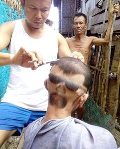 These craziest hairstyles that people have actually gotten are more than just a bad hair day. After looking these funny bad haircuts, you will never forget to tip your barber again! Shampoo For Thinning Hair, Hair Loss Shampoo, Epic Fail Pictures, Funny Pictures, Funny Fails, Funny Jokes, Free To Use Images, Best Shampoos, Bad Hair Day