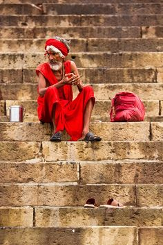 On the Ghats in Varanasi. By Ramnath Siva. Varanasi, Shiva, People Around The World, Around The Worlds, Namaste, Bay Of Bengal, Mughal Empire, Portraits, India Travel