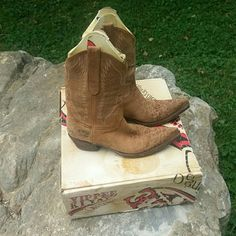 Amazing! Old gringo boots Brown and tan leather with leopard print, and sphynx embroider on front and back in a light turquoise and tan stitching..distressed factory look..excellent condition..leather is not even broken in..😊..almost half off regular price..fit a  7-7.5 Old Gringo Shoes
