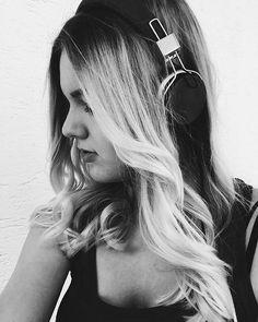 #musik #selfie #kopfhörer #blackandwhite #blondie #musiclife #music #me #ich #photography #fotografie #summervibes #feelings #happy #headphones #grey #musikhören #poetry #songs #liveyourlife #dream #musictime #fun #sun