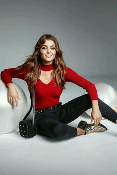 Picture of Hande Erçel Turkish Women Beautiful, Turkish Beauty, Cocktail Dresses With Sleeves, Cute Girl Face, Actrices Hollywood, Turkish Fashion, Hande Ercel, Stylish Girl Pic, Girls Dpz