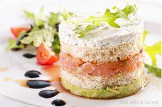 Queso Cremoso de Pido sobre tartar de salmón y aguacate
