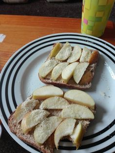 Wholewheat toast with peanut butter, sliced apple and ground almond. LOOVE IT💕💕💕